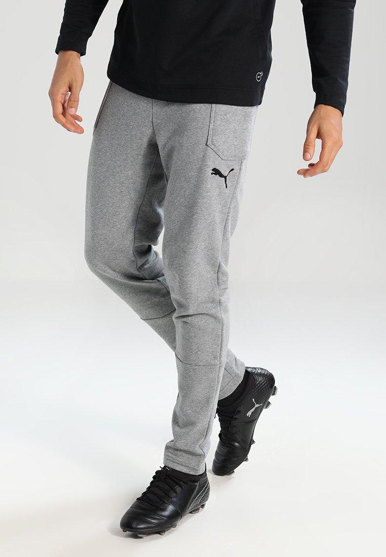 Puma - LIGA CASUALS PANTS - Trainingsbroek - medium gray heather/black