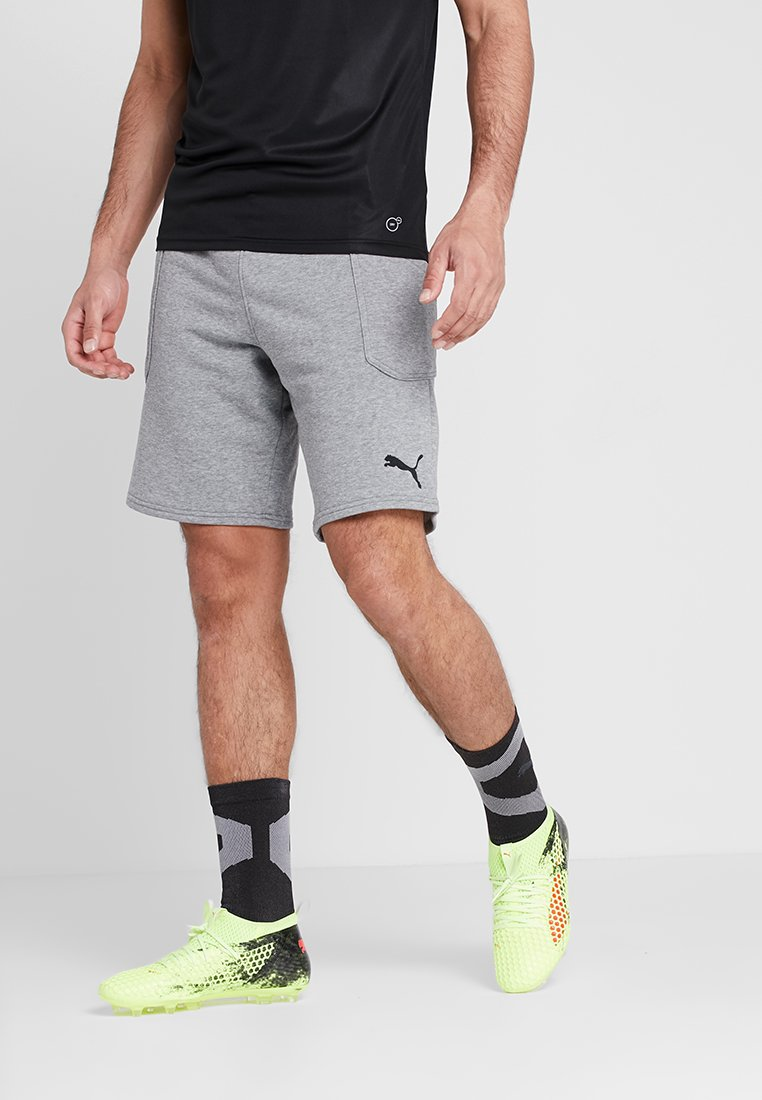 Puma - LIGA CASUALS SHORTS - kurze Sporthose - medium gray heather/black
