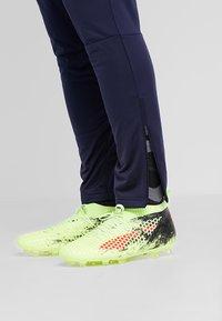 Puma - LIGA TRAINING PANTS - Spodnie treningowe - peacoat/white - 3