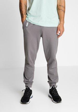 NU-TILITY KNIT PANTS - Pantaloni sportivi - castlerock