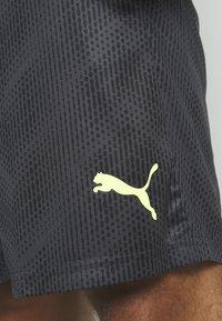 Puma - GRAPHIC SHORT - Sports shorts - black - 5