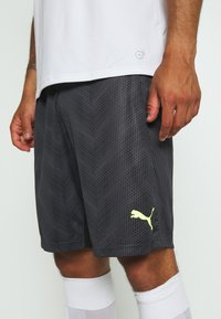 Puma - GRAPHIC SHORT - Sports shorts - black - 3