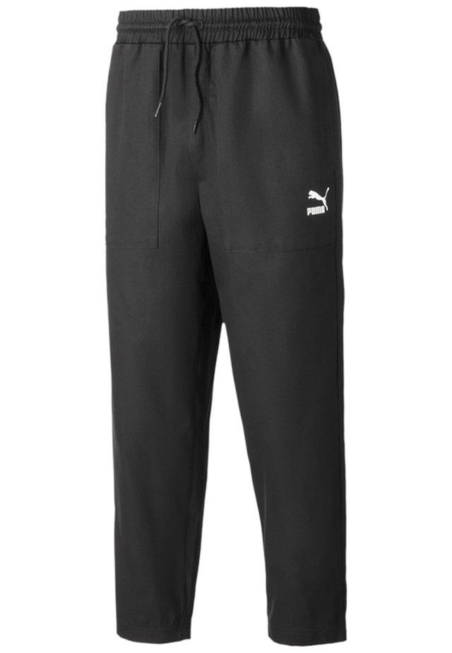 TAPERED WOVEN MEN'S CHINO PANTS MALE - Træningsbukser - black