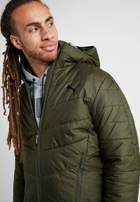Puma - WARMCELL PADDED JACKET - Zimní bunda - forest night - 5