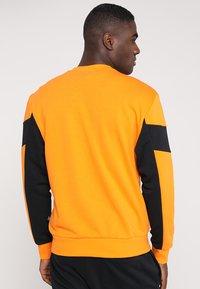 Puma - REBEL CREW - Sweatshirts - orange popsicle - 2