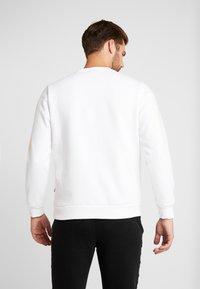 Puma - HOLIDAY PACK CREW - Sweatshirt - white - 2