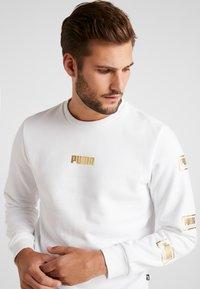 Puma - HOLIDAY PACK CREW - Sweatshirt - white - 3