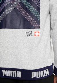 Puma - SCHWEIZ SFV CULTURE SWEAT - Sweatshirt - light gray heather - 5