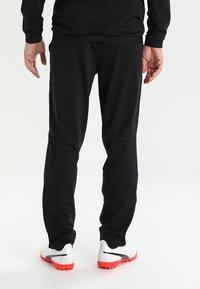 Puma - LIGA SIDELINE TRACKSUIT - Dres - black/white - 4