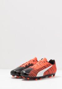 Puma - ONE 5.4 FG/AG - Voetbalschoenen met kunststof noppen - black/nrgy red/aged silver - 3