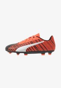 Puma - ONE 5.4 FG/AG - Voetbalschoenen met kunststof noppen - black/nrgy red/aged silver - 1