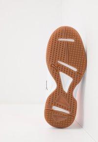 Puma - AURIZ - Multicourt tennis shoes - white/black/nrgy red - 5