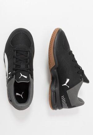 AURIZ - Tenisové boty na všechny povrchy - black/white/castlerock