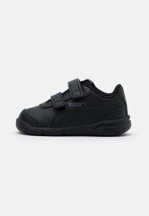 STEPFLEEX 2 - Zapatillas de entrenamiento - black