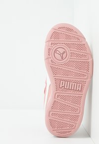Puma - STEPFLEEX 2  - Obuwie treningowe - bridal rose/white - 4