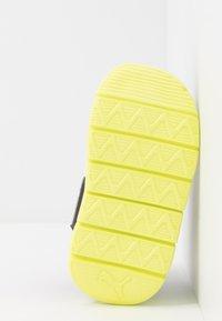 Puma - BAO 3 BOOT - Bottes de neige - black/nrgy yellow - 5