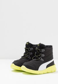 Puma - BAO 3 BOOT - Bottes de neige - black/nrgy yellow - 3
