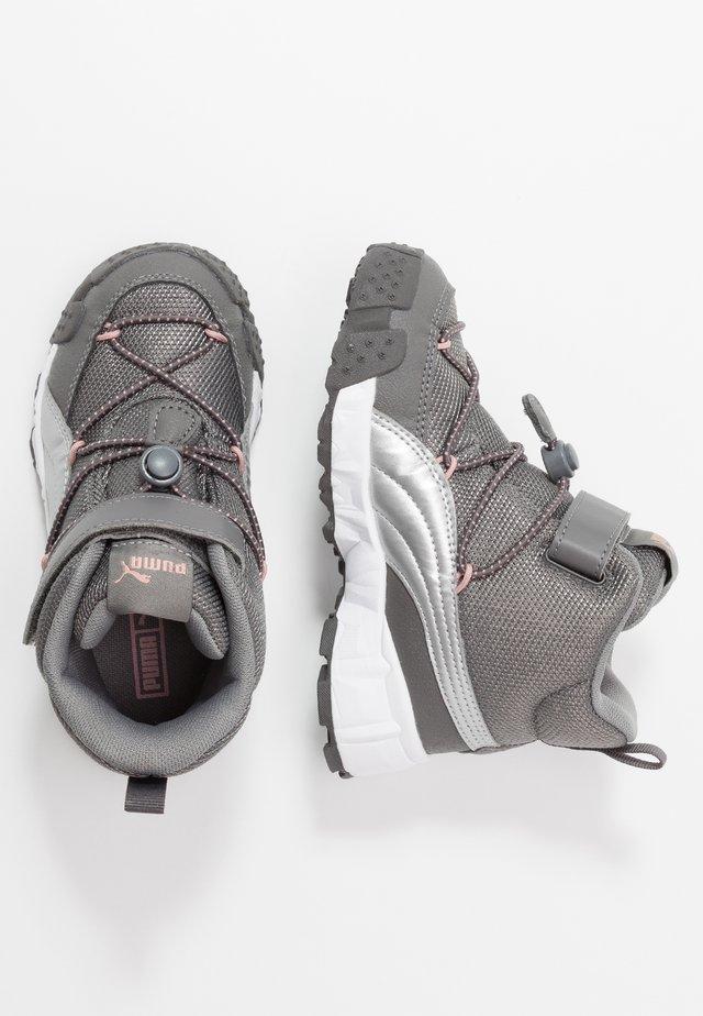 MAKA - Sneaker high - steel gray/bridal rose