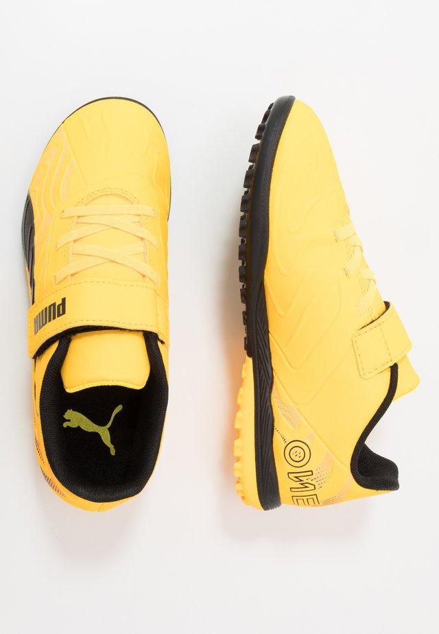 ONE 20.4 TT - Fodboldstøvler m/ multi knobber - ultra yellow/black/orange alert