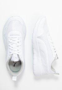 Puma - FLEX RENEW - Neutrální běžecké boty - white/gray violet - 0