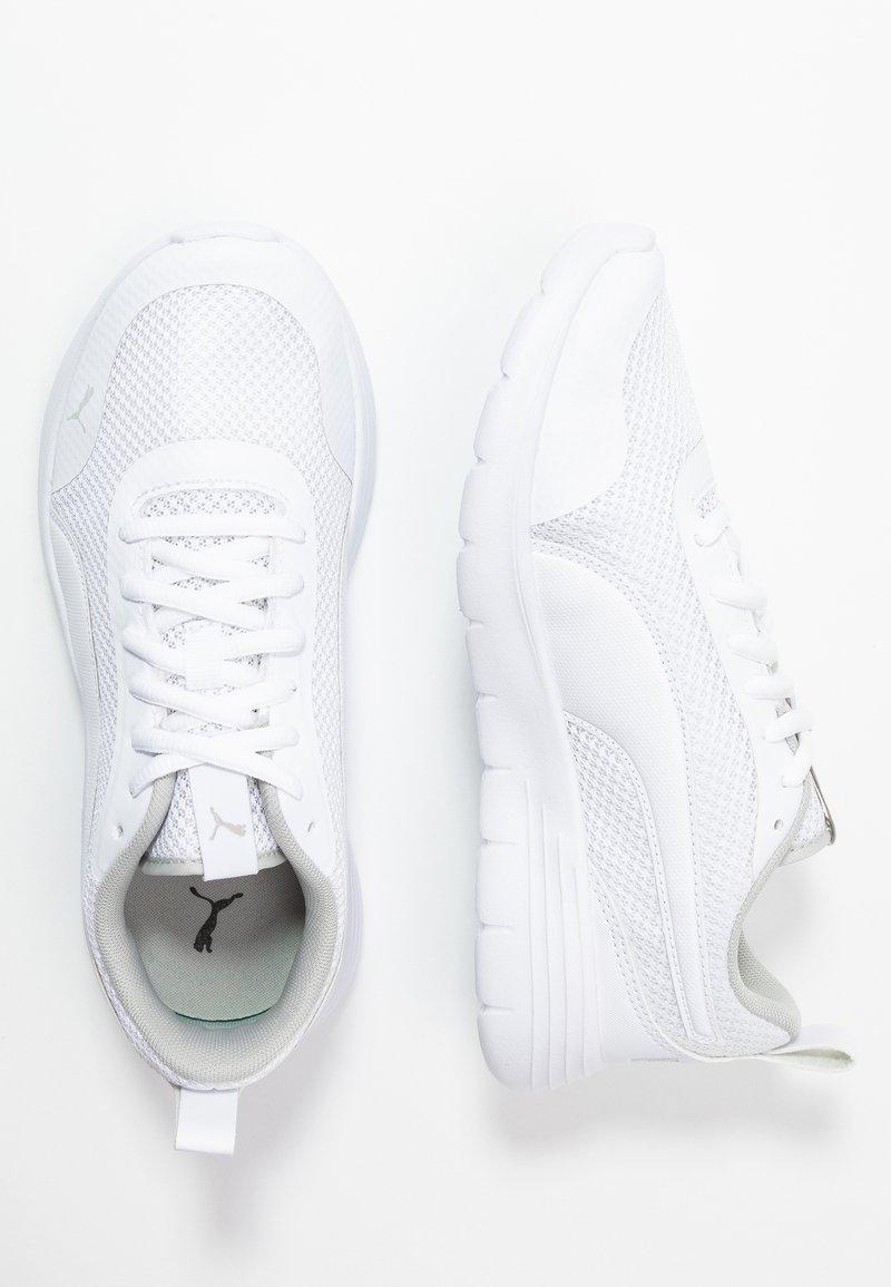 Puma - FLEX RENEW - Neutrální běžecké boty - white/gray violet