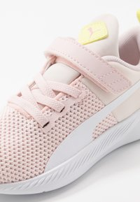 Puma - FLYER RUNNER - Neutral running shoes - rosewater/white/sunny lime/peony/black - 2