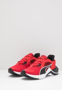 Puma - HYBRID NX OZONE - Obuwie do biegania treningowe - high risk red/puma black - 3