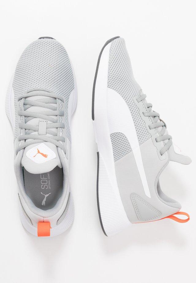 FLYER RUNNER  - Neutral running shoes - high rise/white/firecracker
