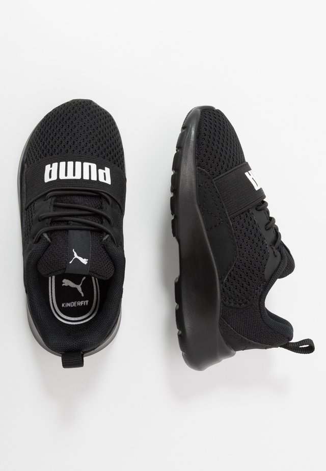 WIRED AC  - Neutral running shoes - black/white