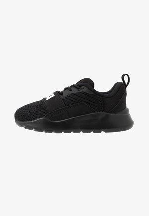 WIRED AC  - Neutrální běžecké boty - black/white