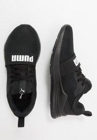 Puma - WIRED RUN - Obuwie do biegania treningowe - black - 0