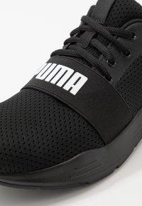 Puma - WIRED RUN - Obuwie do biegania treningowe - black - 2