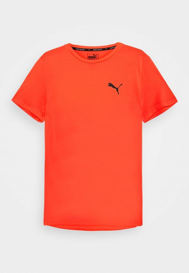 ACTIVE TEE - Basic T-shirt - lava blast