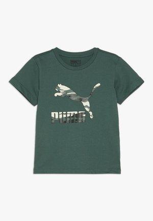 PUMA X ZALANDO LOGO TEE - T-shirt print - bistro green