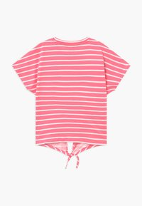 Puma - ALPHA STRIPED TEE - T-shirt con stampa - bubblegum - 1