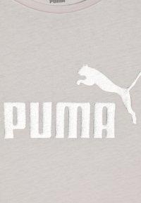 Puma - ESS TEE - T-shirt imprimé - rosewater - 4