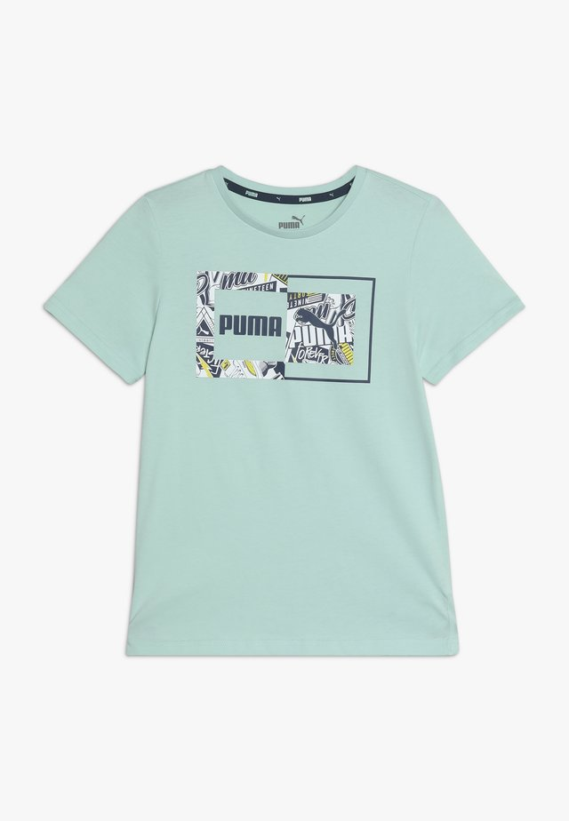 ALPHA GRAPHIC TEE - T-shirt z nadrukiem - mist green