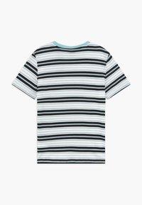 Puma - STRIPE LOGO TEE - T-shirt imprimé - aquamarine - 1