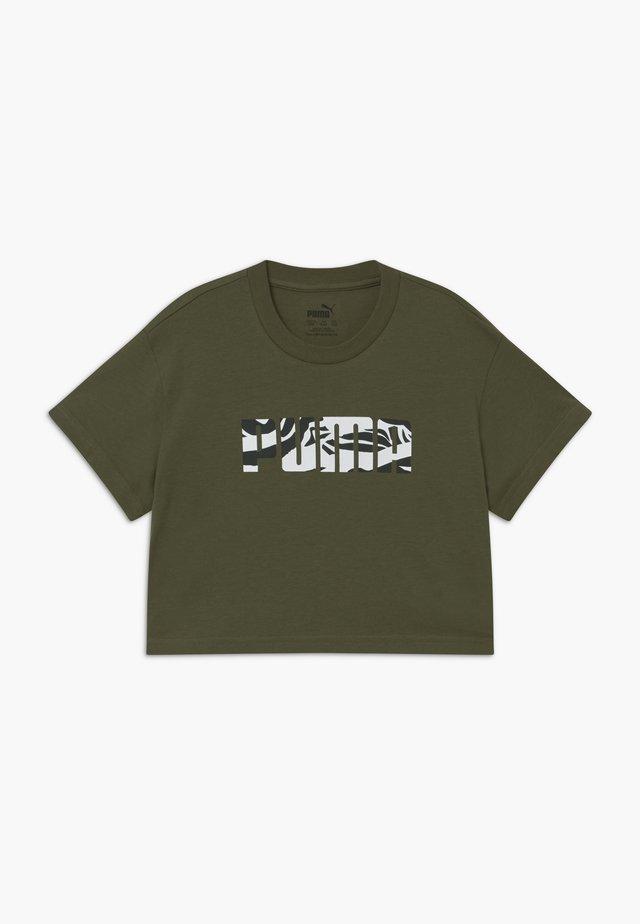 PUMA X ZALANDO GIRLS TEE - T-shirt imprimé - olive night