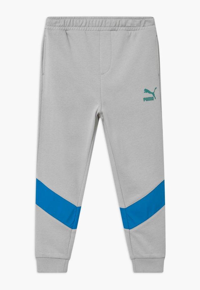 PUMA X ZALANDO TAPERED - Pantalon de survêtement - light grey