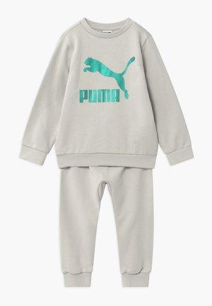 PUMA X ZALANDO BABY JOGG SET - Træningssæt - gray violet