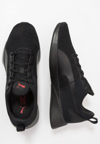Puma - FLYER RUNNER - Obuwie do biegania treningowe - black/high risk red - 1