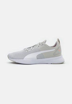 FLYER RUNNER - Neutral running shoes - gray violet/white/bright peach