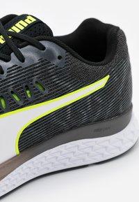 Puma - SPEED SUTAMINA - Chaussures de running neutres - black/castlerock/yellow alert/white - 5