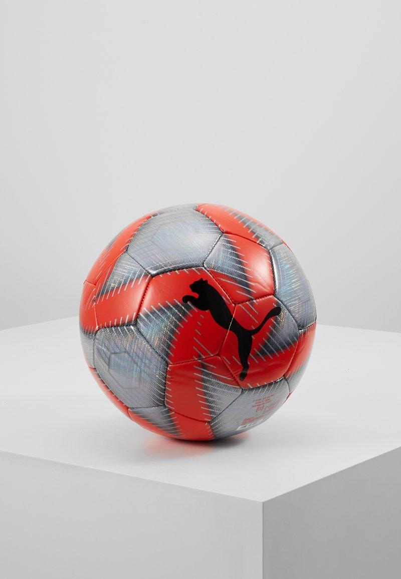 Puma - FUTURE FLARE BALL - Balón de fútbol - grey dawn/red/asphalt/puma white