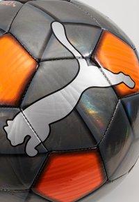 Puma - ONE STRAP BALL - Balón de fútbol - silver/red/puma black - 3