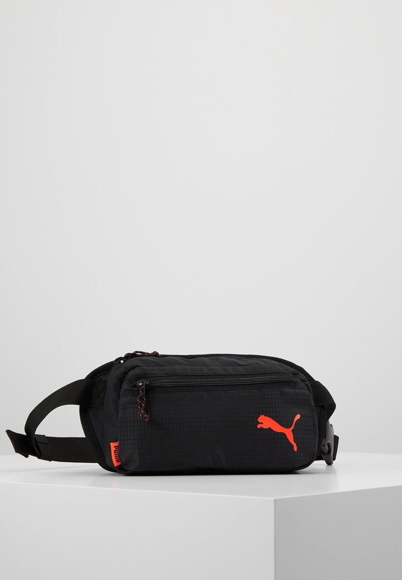 Puma - WAISTBAG - Gürteltasche - black/energy red
