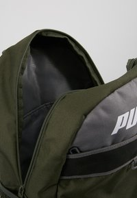 Puma - PLUS BACKPACK - Sac à dos - forest night - 4