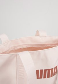 Puma - CORE BASE SHOPPER - Torba na zakupy - rosewater - 4