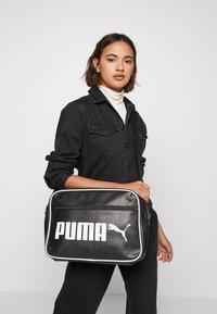 Puma - CAMPUS REPORTER RETRO - Umhängetasche - puma black - 1